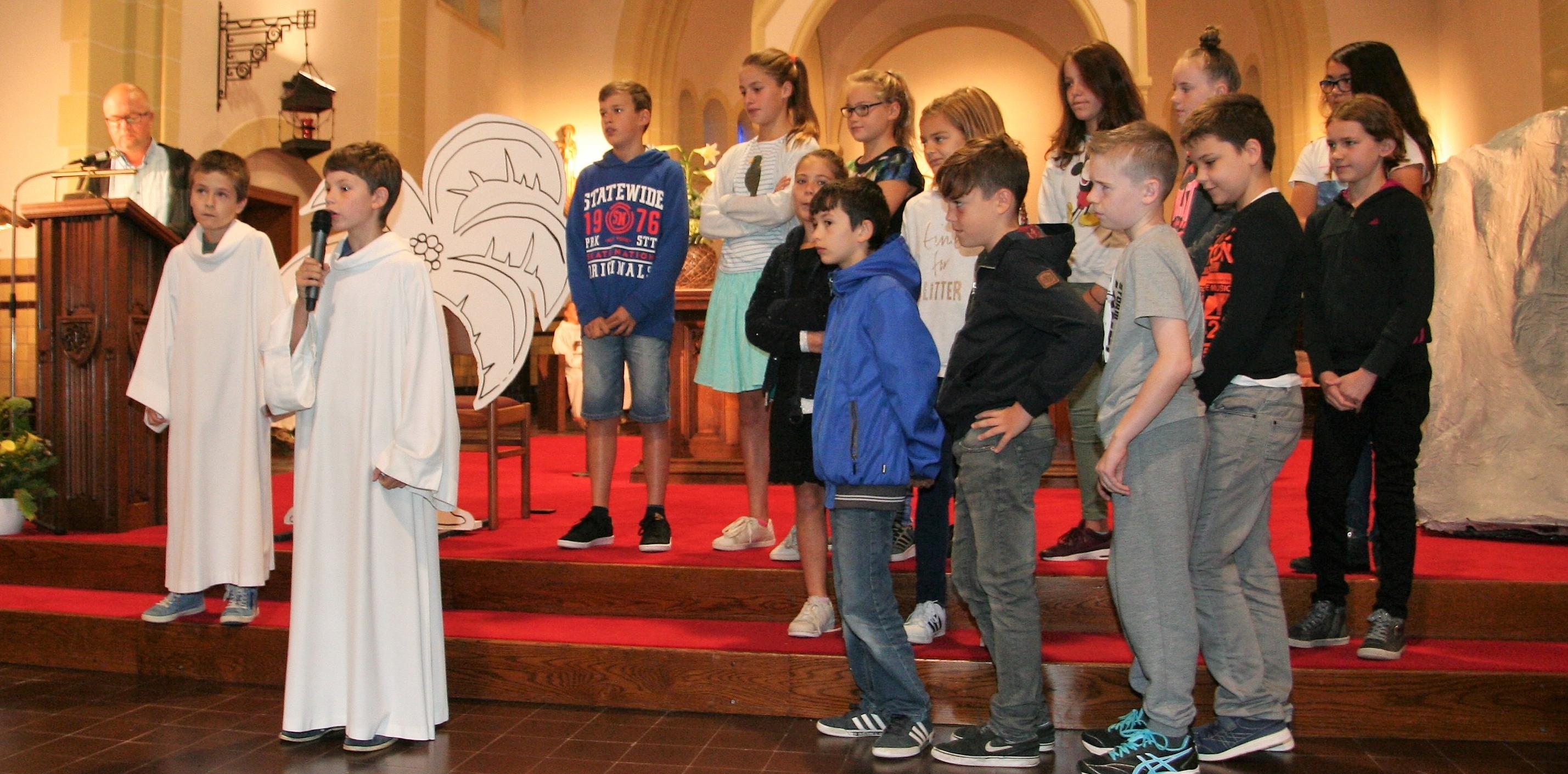Eerste schoolviering met OLVO-Vuurtorenwijk