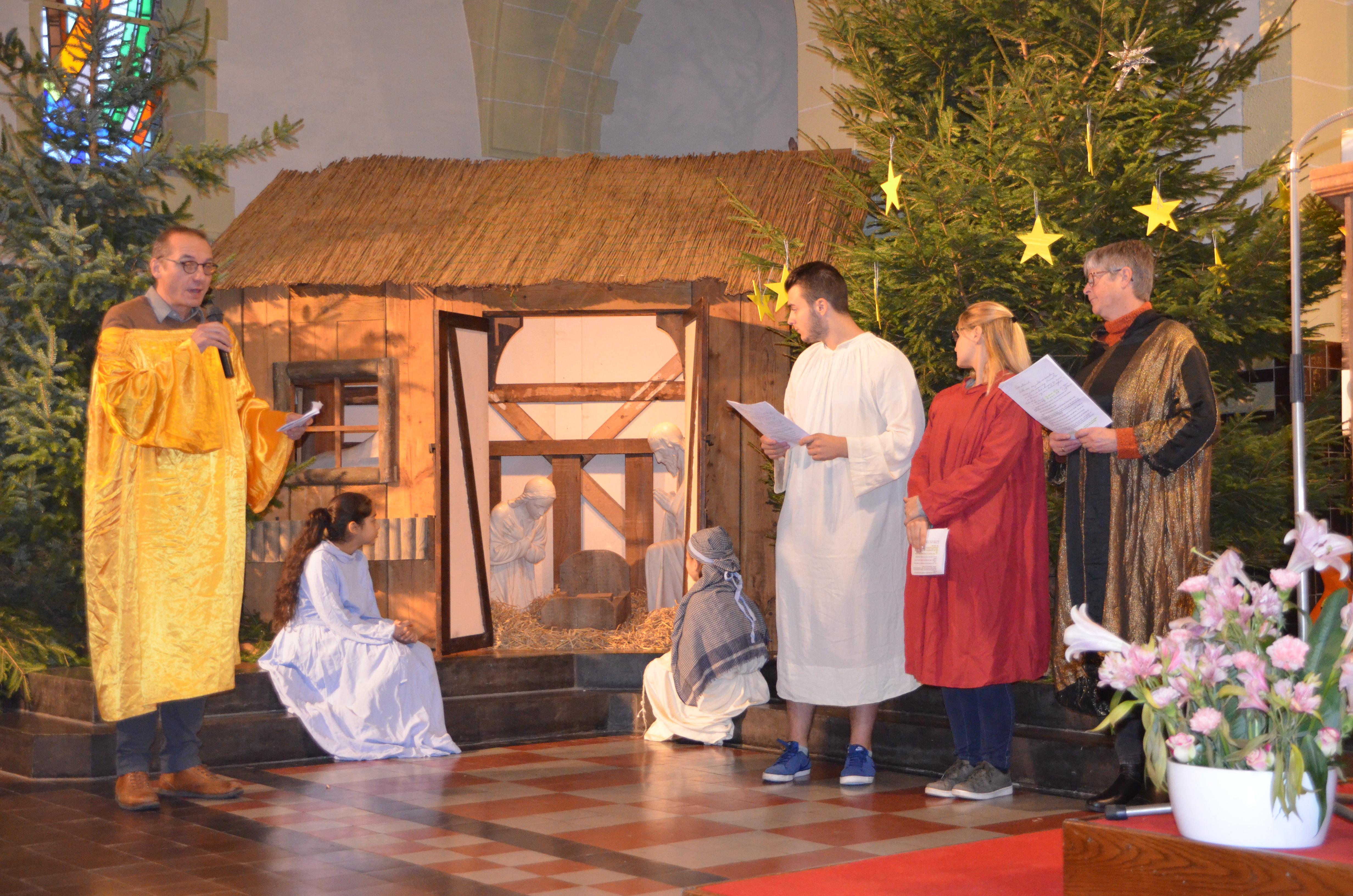 Adventsviering O.-L.-Vrouwecollege Vuurtorenwijk