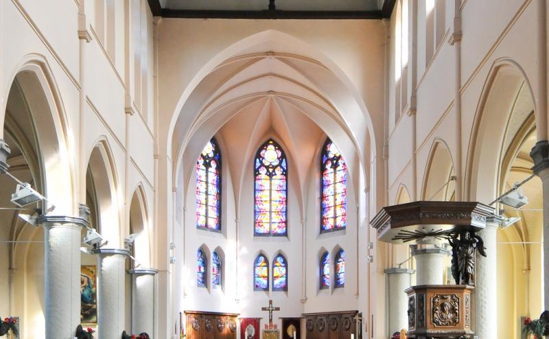 Opfrissing St.-Rikierskerk in laatste fase