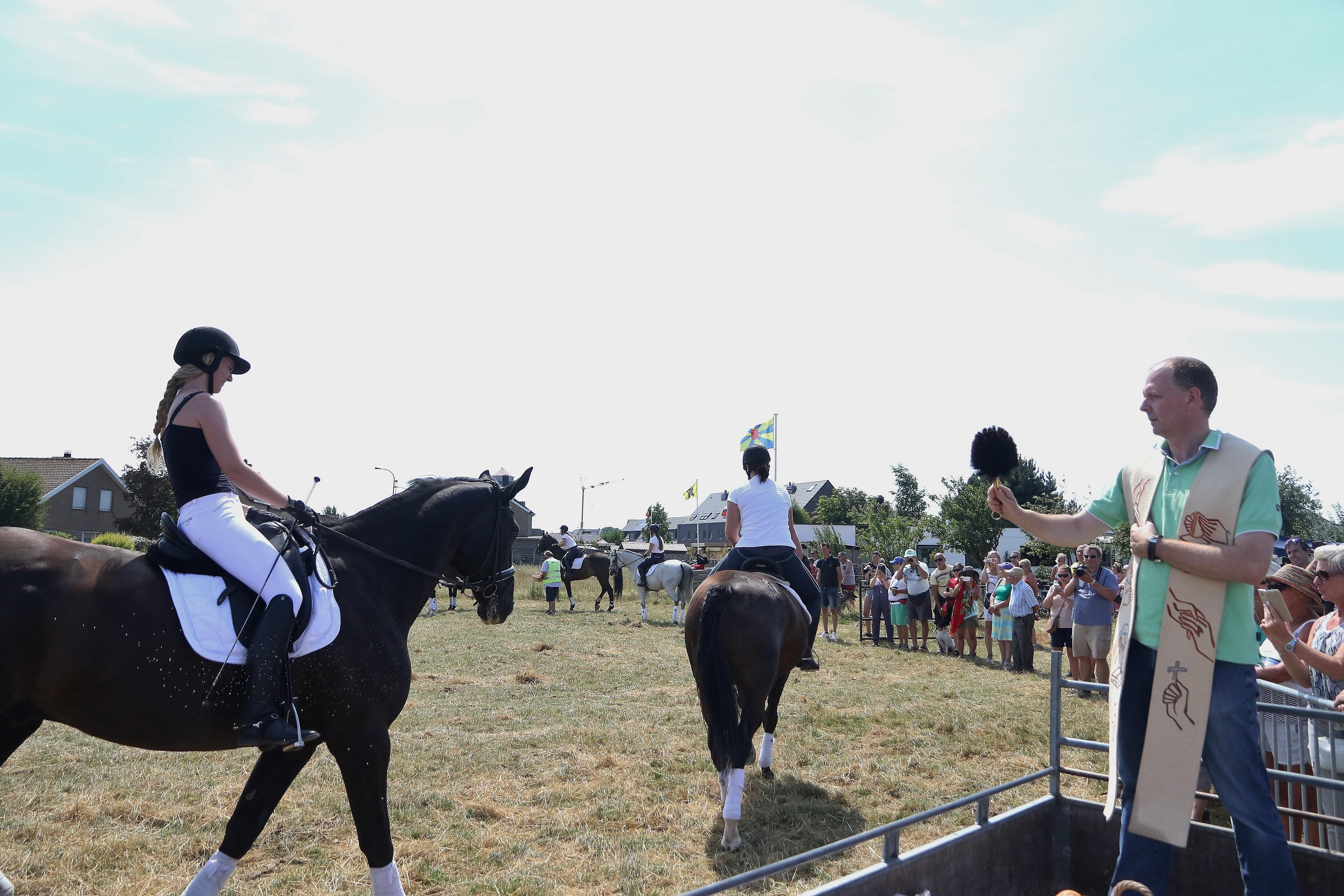 34e paarden- en huisdierenzegening in Bredene
