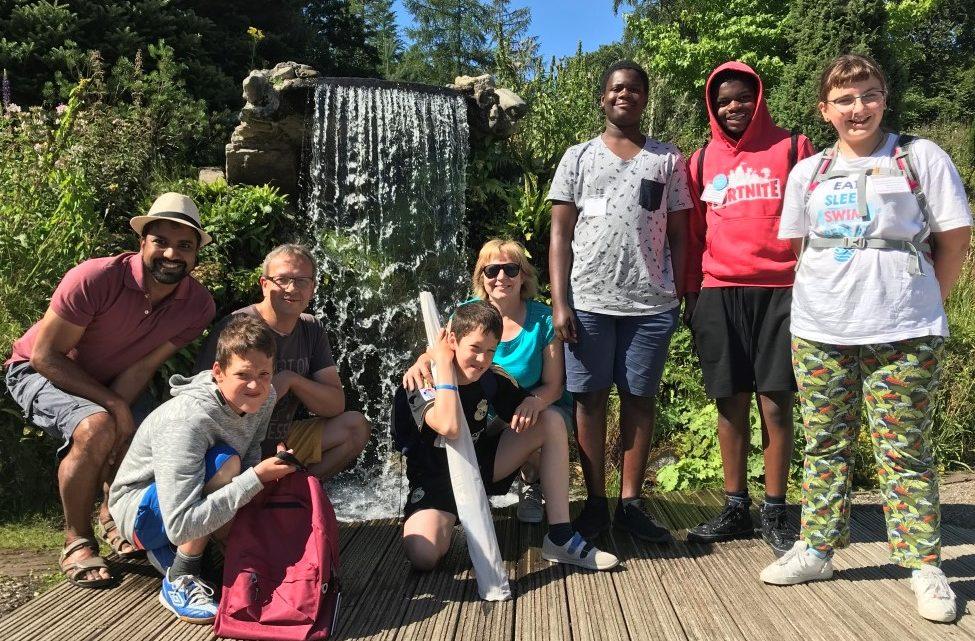 Op kamp met Young Spirit in Assel: samen op pad, we wijzen elkaar de weg