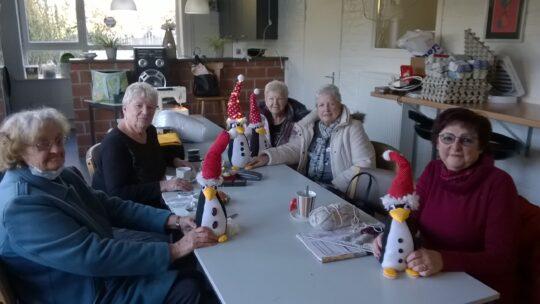 OKRA-Bredene knutselt in kerstthema