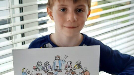 Kinderen beleven Goede Week en Pasen thuis